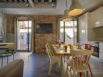 Luxury 3BR apt Center of Madrid! Sunny, Quiet. - Apartamento en Madrid